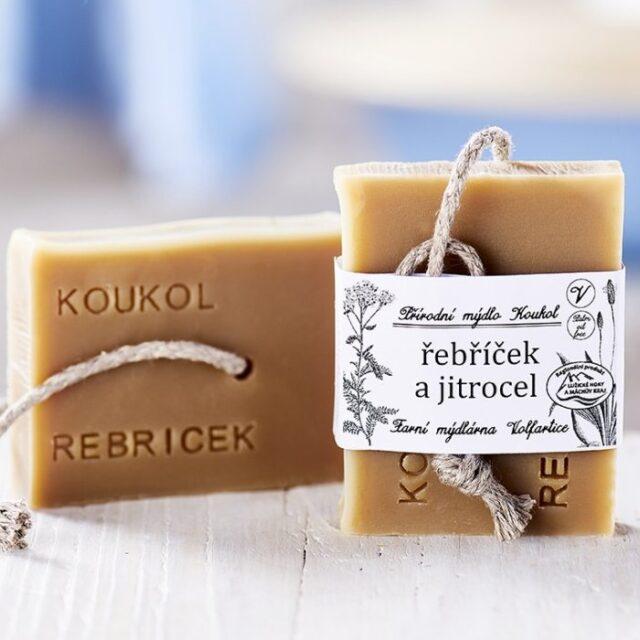 přírodní české mýdlo z místních surovin řebříček a jitrocel